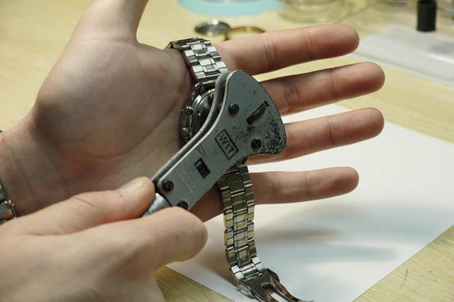 Llave para abrir relojes rosca
